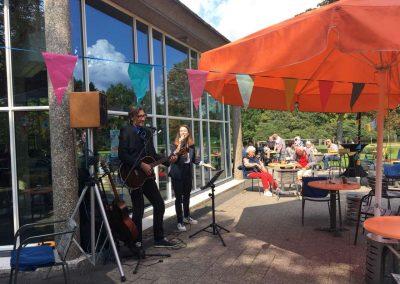 T-Huis Presikhaaf Arnhem live muziek evenement op het terras